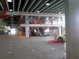 Rolltreppen und Fahrstühle zum Meeting-Point