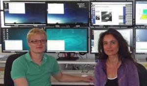 Dijana und Till im Kontrollzentrum der MAGIC-Teleskope: