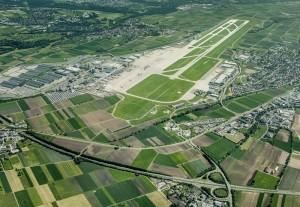 Stuttgarter Airport aus der Luft: keine Condor-Flüge mehr nach SPC im Sommer 2014. Foto: Flughafen-Gesellschaft-GmbH.