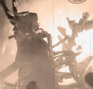 Keine Angst vor dem Teufel: Risikotruppe sucht die Nähe - Schrammen sind wurscht. Foto: Tijarafe