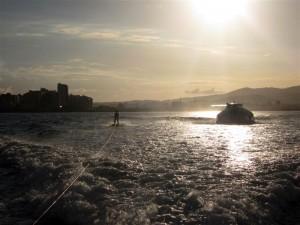 Ricardo heute: Am 8. Oktober bretterte er auf Wasserskiern von Ibiza nach Alicante. Foto: Organisation