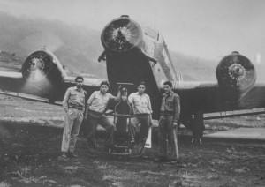 Flughafen Buenavista 1955: Anfliegen auf La Palma mit tollkühnen Männern in ihren fliegenden Kisten. Foto: Palmeros en el Mundo