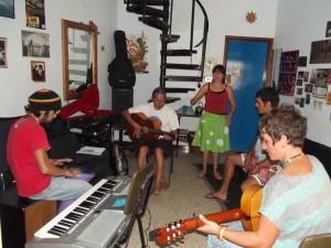 Probe von Flamenco entre Amigos: ohne Noten, aber mit voller Konzentration. Foto: La Palma 24