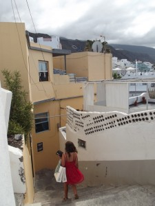 Wohnung von Pedro und Iosune im Herzen von Alt-Puerto-Naos: Musik schallt durch die Gassen. Foto: La Palma 24