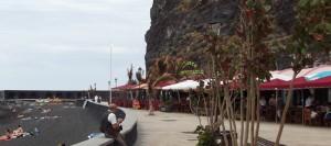 Nach dem Bauboom in den 70ern: ehemalige Casetas sind modernen Strandrestaurants gewichen. Foto: La Palma 24