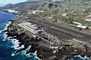 2011 eröffnet: Der neue Flughafen Santa Cruz de La Palma (SPC). AENA-Foto