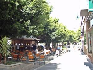 Plaza de Espana im Herzen von Los Llanos: von hier aus erstrecken sich alle Shopping-Meilen.