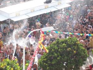 Wasserfest Puerto Naos: feucht-fröhliches Halligalli im Sommer.