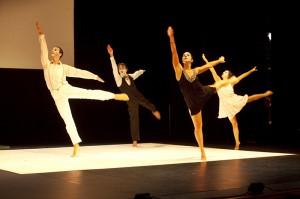 """Mit """"Charlie"""": Tanztheater in Santa Cruz. Foto: Stadt"""