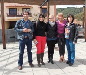 Gute Zusammenarbeit mit den Gemeinden: Bei der Spendenübergabe in Puntallana war Vizebürgermeister Adrian Hernandéz José Montoya (Foto links) persönlich anwesend.