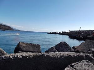 Blick vom Yachthafen hinaus auf den Bau der neuen Mole: Ab Oktober 2014 soll alles fertig sein. Foto: La Palma 24