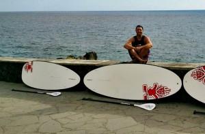 Stehpaddeln: Die Boards und Paddel werden auf Anfrage nach Puerto Naos, Charco Verde oder El Remo gebracht. Foto: CanaryGreen