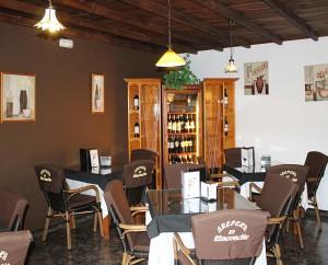 """Gemütlich tafeln: Der """"alte"""" Gastraum im Rinconcito. Foto: La Palma 24"""