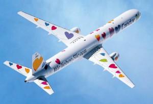 Nach Santa Cruz de La Palma (SPC) fliegen: Die Airlines zeigen im Winter 2014/15 und im Sommer 2015 wieder mehr Herz für La Palma-Fans. Pressefoto: Condor