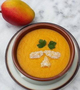 Lecker und exotisch: Mango-Karottensüppchen! Foto: Michael