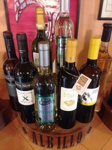 Weißweine von La Palma: Die Blancos und auch die Tintos können im Weinmuseum Las Manchas verkostet werden. Foto: Museo de Vino La Palma