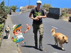 Gruppenbild mit Presse-Ente: Tschörnie begleitete Heiko, seine Hunde Marylou und Tin-Tin beim Spaziergang mit Miss MP.