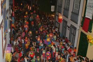 Noche de Pandorga am Montag: gigantischer Laternen-Umzug in der Altstadt. Foto: Santa Cruz