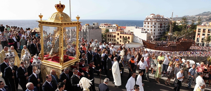 Bajada der Virgen-Statue am Sonntag: