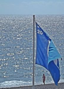 Blaue Flaggen: Wehen an fünf Stränden der Isla Bonita. Foto: La Palma 24