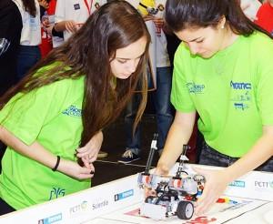 Team Fnatic: bauten einen Roboter namens Skiebot