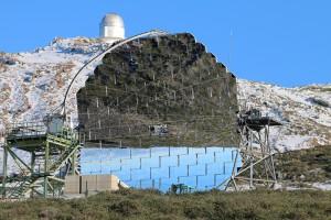 Vorgänger des LST: Schon seit vielen Jahren erforschen die Cherenkov-Teles MAGIC1 und MAGIC2 hochenergetische Gammastrahlung aus dem All. F