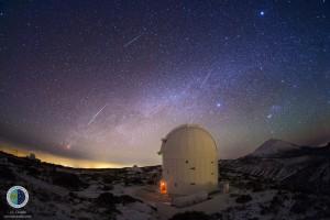 La lluvia de estrellas Gemínidas: Esta imagen muestra la lluvia de meteoros desde el Observatorio del Teide en Tenerife, visto desde. Foto de prensa IAC /
