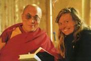 Der Dalai Lama und Susanne Aernecke:
