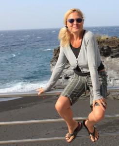 Susanne und das Meer: gehören zusammen, denn für eine Kapitänstochter geht es hinter dem Horizont immer weiter... Foto: La Palma 24