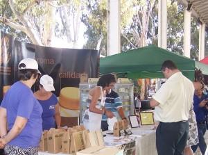 Queso Palmero: Die Mitglieder des DOQP-Verbandes verkaufen ihre Produkte nicht nur auf Märkten, sondern präsentieren sich auch auf Messen und Wettbewerben. Foto: Consejo Regulador DOQP