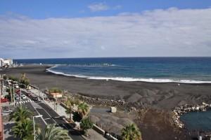 Neuer Stadtstrand von Santa Cruz: soll im Sommer eröffnet werden, schon jetzt sind er der Strand-Verordnung Hunde verboten. Foto: Santa Cruz de La Palma
