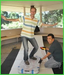 Spaß im Silicon-Valley: Thomas und seine Hoverboard-Mitentwickler.