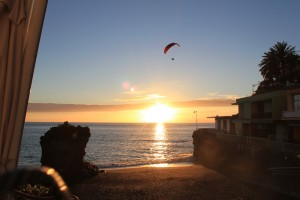 sunset-puerto-naos-paraglider
