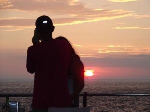 sunset-puerto-naos-telefonieren