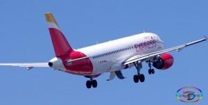 Die Spanien-Airlines Iberia Express und Vueling verbinden La Palma mit dem Festland. Foto: Carlos Díaz-Spotting