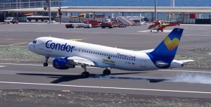 Condor-Jet setzt am Airport von Santa Cruz de La Palma auf: Bienvenido! Foto: Carlos Díaz-Spotting