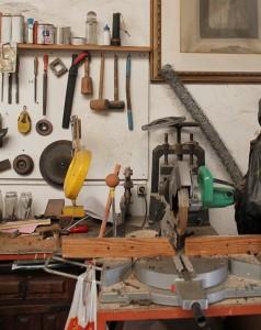 """Parte del taller del """": Manuel arbeitet mit schwerem Gerät. Foto: La Palma 24"""