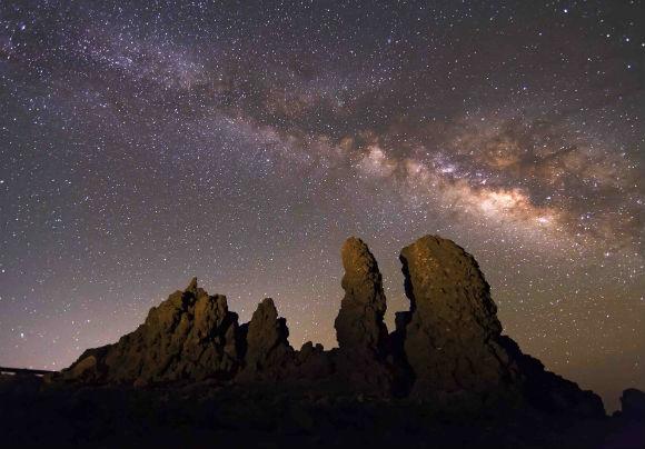 Sternenhimmel über dem Roque de Los Muchachos: Nicht nur zu Starmus-Zeiten ein Erlebnis! Foto: Promotur Canarias