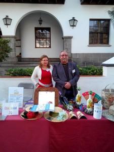 Besay-Präsident Carlos Díaz am Info-Stand vorm Rathaus in Los Llanos: