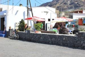 Derzeit einzige Erfrischungsmöglichkeit: Biergärtchen des Nachbarschaftsvereins von El Remo. Foto: La Palma 24