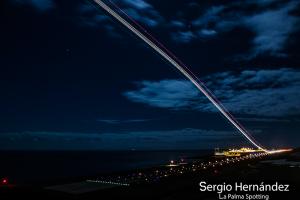 Die La Palma-Spotter sind auch nachts unterwegs: Dieses super Foto ist Sergio Hernández gelungen.