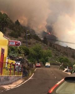 Dieses Foto geht durch die sozialen Netzwerke: Ausbruch des Brandes bei Jedey heute Mittag.