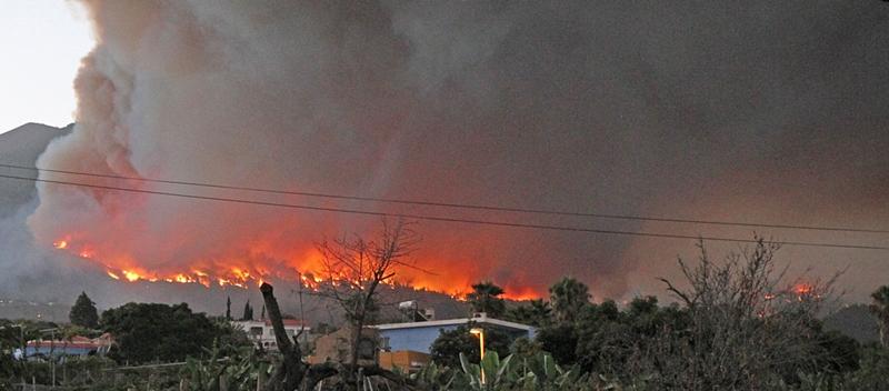 Blick von La Laguna hinauf nach El Paso: Dieses Foto schoss La Palma 24-Geschäftsführer Miki heute morgen.