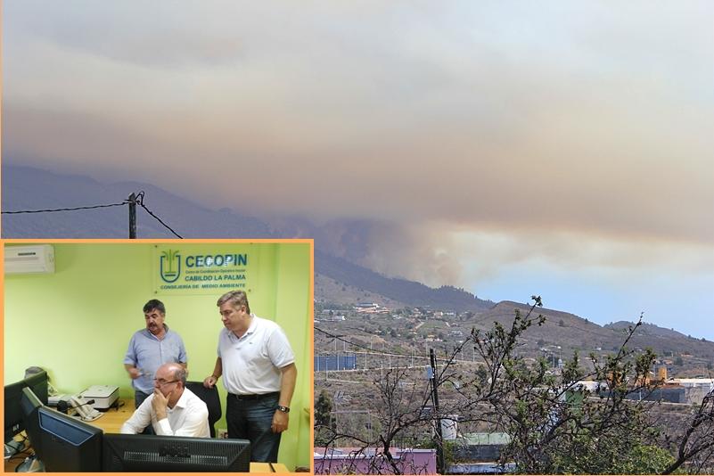 Blick von El Paso hinauf nach Las Manchas-Jedey: Bereits gegen 16 Uhr zieht dichter Rauch alle Blicke auf sich. Fahrten auf der LP-2 in den Süden von La Palma sind inzwischen nicht mehr möglich, die Hauptstraße wurde gesperrt, damit die Löscharbeiten nicht behindert werden. Foto: La Palma 24