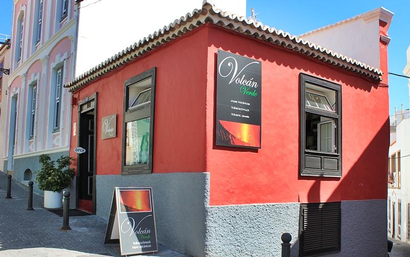 Volcán Verde: Die Schmuck-Manufaktur von Frank Hofmeister in Tazacorte-Pueblo liegt in einem kleinen Gässchen gleich oberhalb der Kirche.