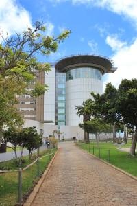Uniklinik Teneriffa: Hierher werden Patienten für spezielle Untersuchungen und Behandlungen überwiesen, die im Hospital General von La Palma nicht geleistet werden können. Foto: La Palma 24