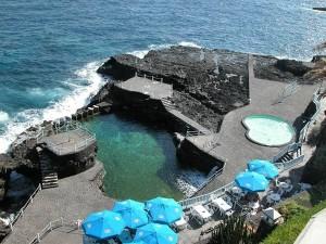 Charco Azul in San Andrés y Sauces: Seit ... Jahren weht der Öko-Strand-Wimpel über dem Naturschwimmbecken. Foto: La Palma 24