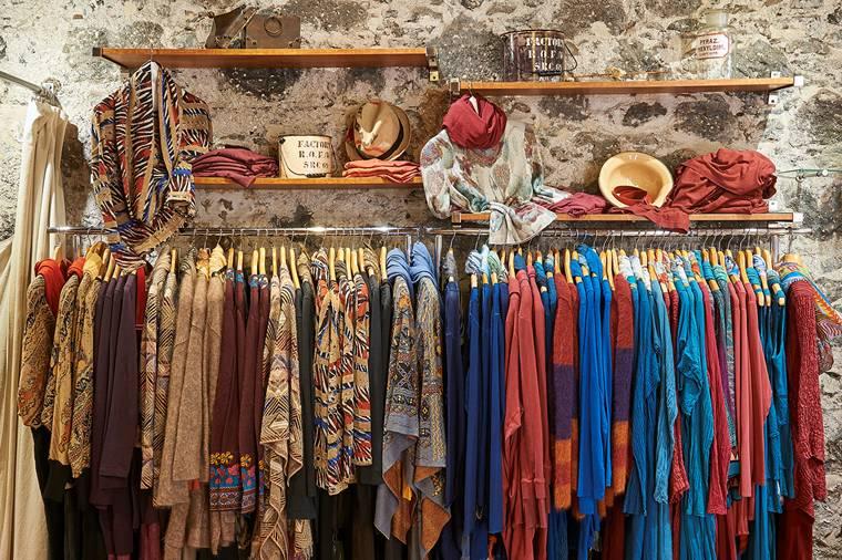 Nueva Vida: Accessoires als i-Tüpfelchen zum perfekten Outfit. Foto: © Uwe S. Meschede - ¡DISFRUTA! La Palma