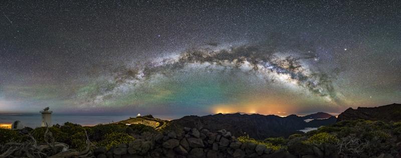 """Kai Stockrahm und sein """"The Arc"""" genanntes Bild: Platz 2 in der Kategorie """"Landschaften über La Palma""""."""