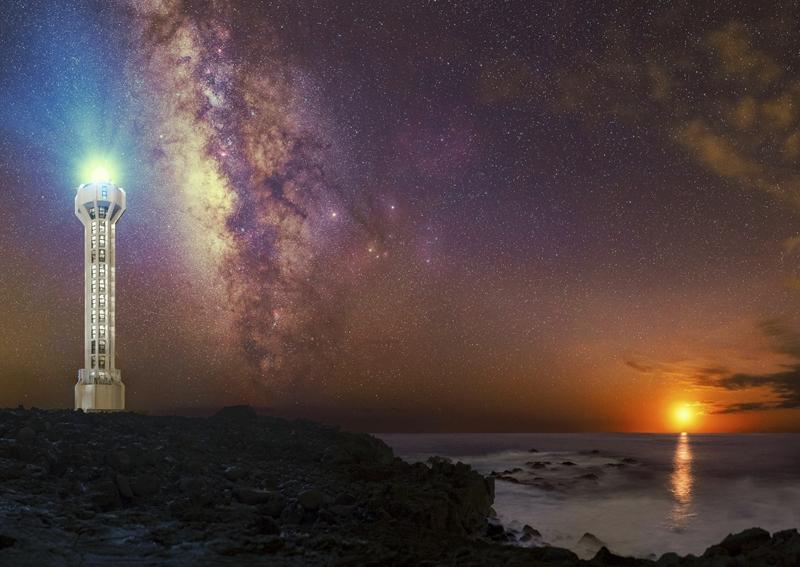 """""""Luz de Luna"""": Der Mond steht direkt überm Leuchttturm von Fuencaliente, am Horizont geht die Sonne unter. Mit diesem Foto"""